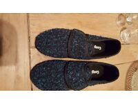 Cosyfeet slippers new size 7