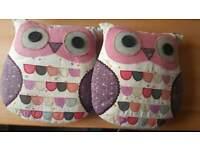 2 x matching owl cushions