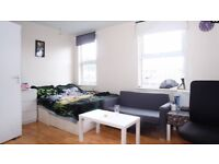 2 Weeks Deposit.Good size twin/double room in Acton Central, West London. Prime Location