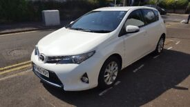 2014 Toyota Auris 1.6 V-Matic Icon, 5 Door Hatchback, Petrol, Pure White, Very Low Mileage