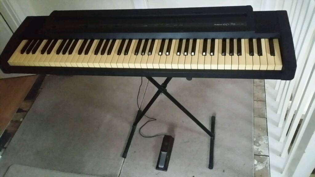 roland ep 7e digital piano keyboard with 76 weighted keys in addlestone surrey gumtree. Black Bedroom Furniture Sets. Home Design Ideas