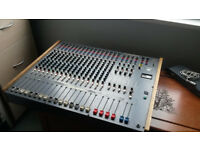 Vintage 16 Channel Analogue Mixing Desk