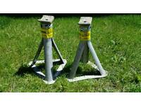 2 Axle stands for sale