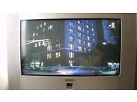 WIDESCREEN 28 INCH TV - CRT (BOX STYLE) EXCELLENT CONDITION WITH FREEVIEW BOX AND ORIGINAL REMOTES
