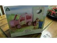 Rosebud ELC car and horse trailer