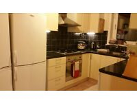 3 double bedrooms available in broomhouse sighthill area close to Napier Heriot Watt University