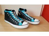 Mens black & light blue Converse - size 11