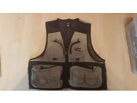 Daiwa Wading fly vest Size M BRAND NEW NEVER USED!