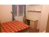 Room with double bed for rent for single occupant - Enfield- £390 / month inc. bills