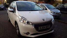 Peugeot 208 1.2 vti style - white, 5 door, petrol, parking sensors, sat nav,£20 tax excellent cond