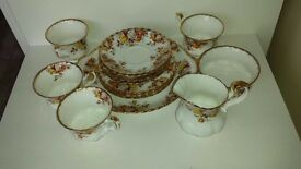 Royal Albert Bone China Lenora pattern (15 Pieces) tea set.