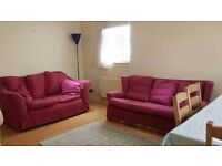 Stunning 1 Double Bedroom Flat with Off Street Parking in Hendon NW4
