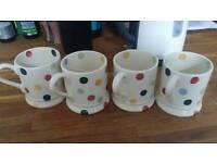 4 Emma Bridgewater mugs polka dot