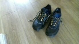 Safety shoes size 7 Unisex ex condition. £9.99.