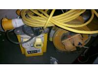 110v tranformer 2×16a and 2 of extension cable