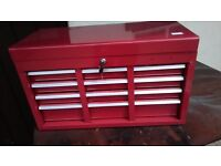 Tool chest in red