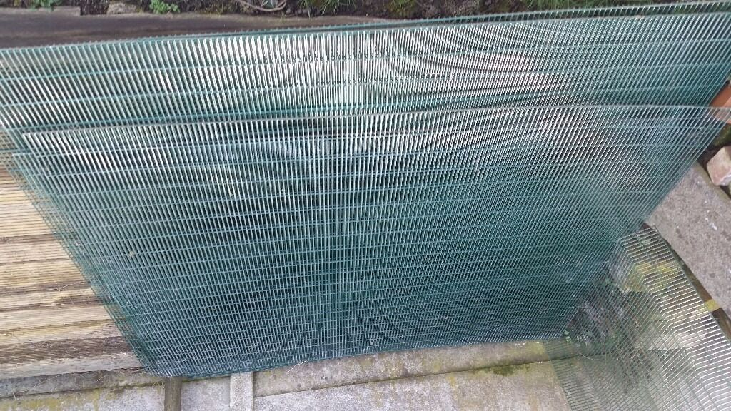 8 heavy gauge pvc coated wire mesh panels, ideal for chicken pen or ...