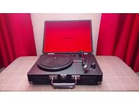 Bargain 3mnths old! Turntable with two lps comes with box
