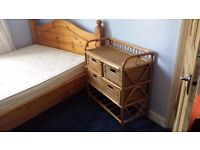 Lovely furnished double room in v friendly house 5 mins walk from Harrow & Wealdstone stations :)