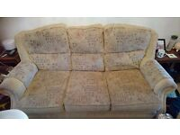 Three seater settee and two arm chairs for SALE. Located sheldon b26. £70