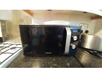 Black Samsung Microwave Oven 800 W - Great condition