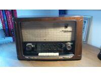Grundig 3035 3D Klang Valve Radio in good clean and working order.