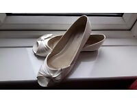 Rainbow club luella ivory satin size 5 ladies shoes