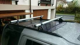 Rhino Delta Roof Bars for Land Rover Discovery 3