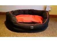 3-Peaks Dog Bed