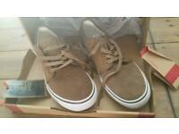 Mens casual shoe size 9