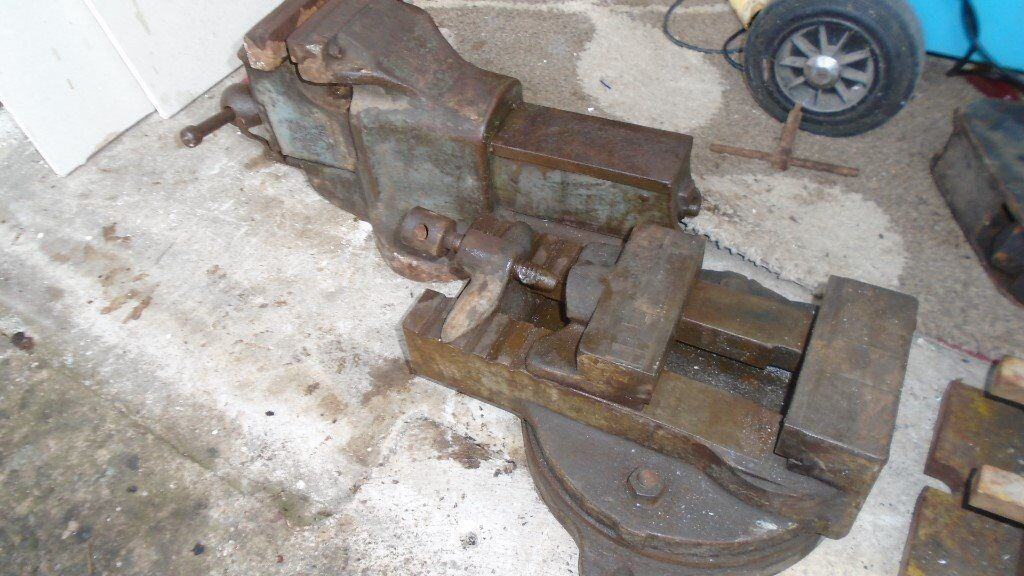 Large Bench Vice Plus Lathe Vice In Hucclecote Gloucestershire