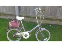 Vintage Rare 3 Speed Raleigh Girls 18 inch Wheels 1988 Whit Rear Bag