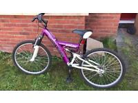 Girls bike. Suits Approx age 7-10 years