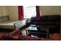 Twin Room Share Avail in West Kensington/ Baron's Court