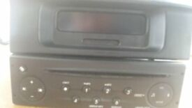 Renault Trafic stereo CD player with display panel