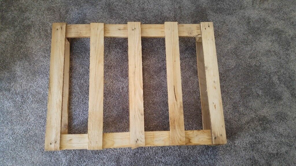 FREE SMALL WOODEN PALLET - 80x60cm   in Godmanchester ...