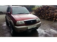breaking red suzuki vitara 1.6 petrol swb 4x4 manual parts spares