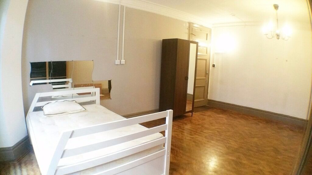 IDEAL FLAT FOR 3 OR SHARERS IN HYDE PARK MANSIONS - 2 WEEKS RENT FREE !