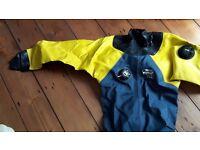 Women's / ladies' diving drysuit (membrane type)