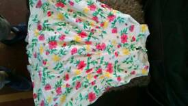 Girl white floral print dress age 6 to 7 years