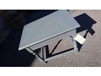 Compact solid table in farrow and ball grey