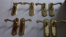 4 pairs of door handles.