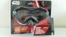 Star Wars swim mask and glow ring