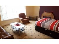 STUDENT ACCOMMODATION - SHORT TERM LETS ACCEPTED - 1 MONTH LETS - 6 MONTHS LETS - 12 MONTH LETS -
