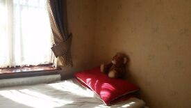 Room for rent in a family house in Greenford Broadway