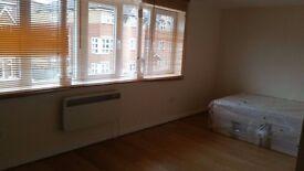 ZERO FEES : Large Studio flat to rent London Rd, Southampton CITY CENTRE