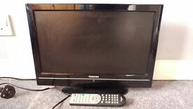 """Toshiba 19"""" HD TV DVD combo with freeview"""