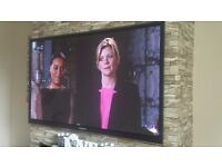 """SAMSUNG 60"""" SMART 3D TV FULL HD TV GREAT CONDITION STILL HAVE THE BOX"""