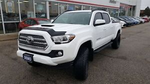2016 Toyota Tacoma TRD, Demo, Dealer Installed Goodies!!
