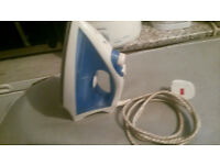 *** RE-ADVERTISED DUE TO TIMEWASTERS*** LIGHT-WEIGHT BLUE & WHITE STEAM IRON FOR SALE !!!
